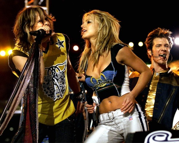 Superbowl-35-Halftime-Show-Britney-Spears-NSync-Nelly-Aerosmith-9-600x481