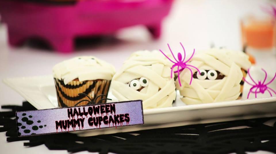 halloween-mummy-cupcakes